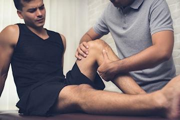 Idrotts- eller bindvävsmassage hos specialiserad massageterapeut