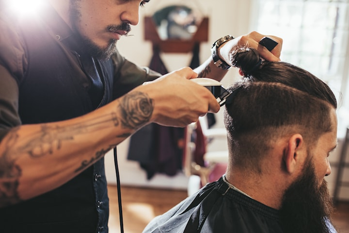 Klippning av hår och skägg inkl. styling på Salong Avenyn