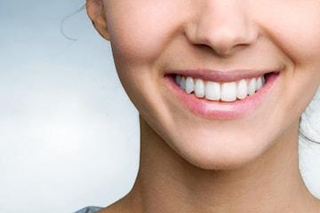 Tandblekning med plasmaljus hos Linas Skönhetssalong