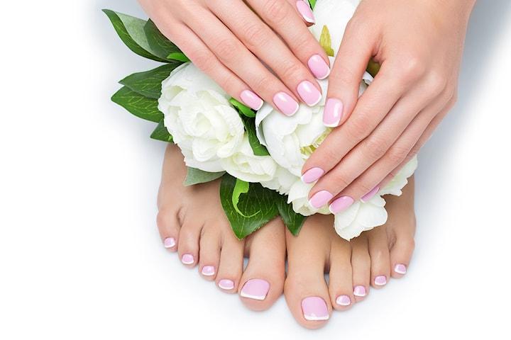 Få vakre negler hos nyåpnede Mango nails, velg mellom manikyr og/eller pedikyr