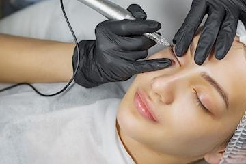 Permanent makeup - eyeliner oppe og nede hos Sirkulasjonsklinikken