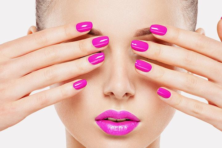 Manikyr med gelelakk hos Beauty by KS