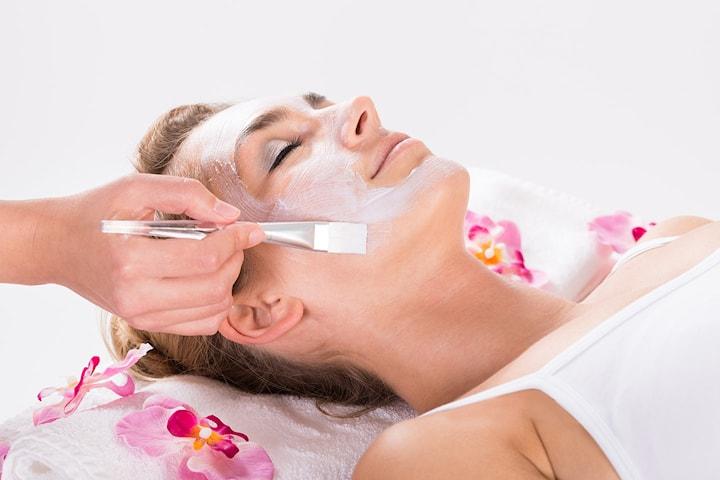 Få ny og frisk hud med kjemisk peeling hos Kosmetisk Lege