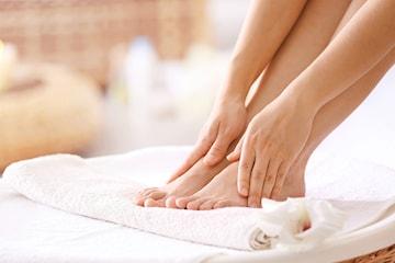 Fotvård inkl. fotmassage och lackning