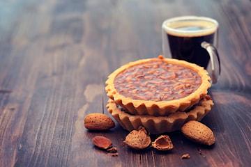 Svart kaffe og valgfri kake hos Pastel De Nata