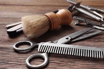 Klippning och rakning av barberare