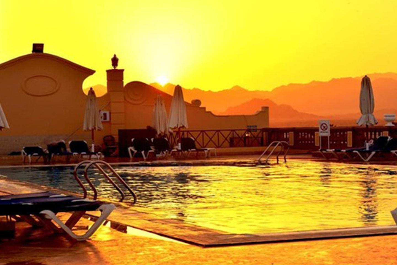 Kairo, pyramiderna och Röda havet med all inclusive och flyg