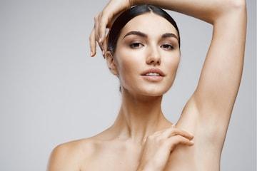 Voksing av armer og armhuler eller brasiliansk voks hos Nathalias Beauty Studio