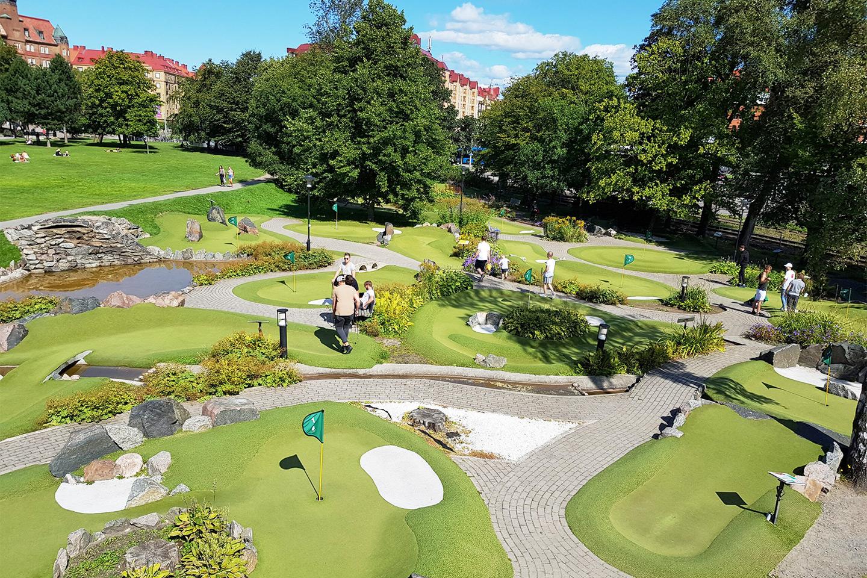 Minigolf på Golf & Bar Slottsskogen (1 av 1)