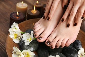 Velg mellom pedikyr eller manikyr spa hos Riya Hair & Spa