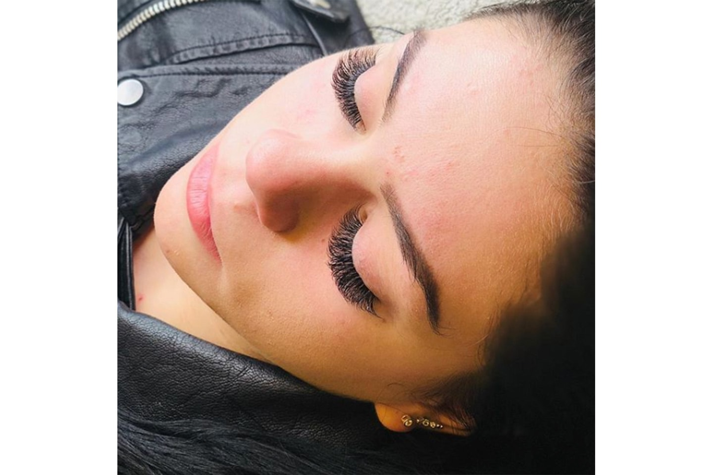 Vippe-extension hos Makeup by Uzma