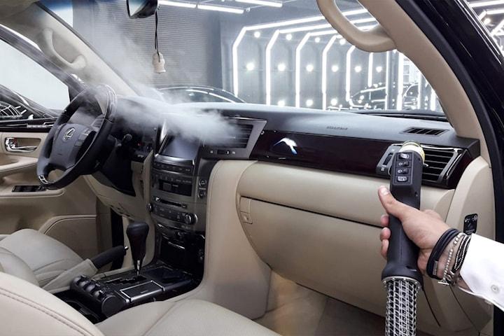 Vårpakke: innvendig rens av hele bilen med damp og med ozonbehandling (luktfjerning)