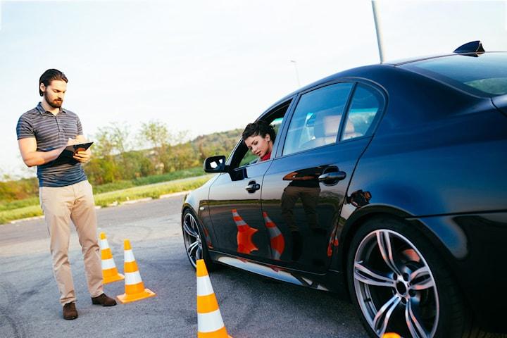 Körkortspaket med teori- och körlektioner