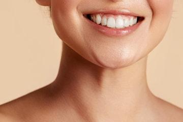 Medisinsk injeksjon mot gummy smile hos Korpeveien Legeklinikk