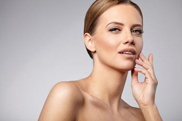 Ansiktsbehandling hos Elit hår & skönhet