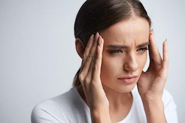 Medisinsk injeksjon mot svette eller migrene, utført av spesialist og overlege hos Oslo Skjønnhet og Velvære
