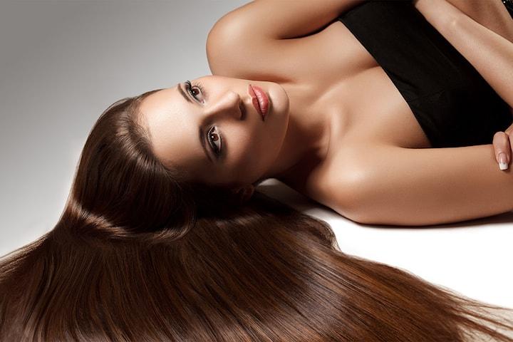 Få et glattere og mer glansfullt hår med Keratin behandling av valgfri hårlengde hos Marlou