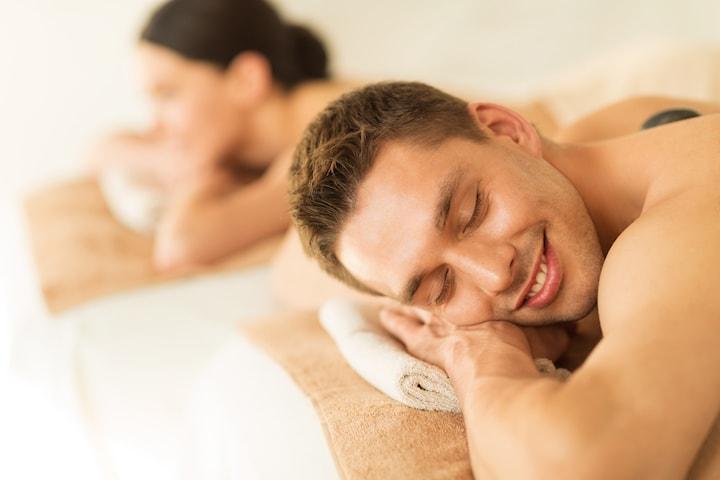 Massagepaket för två hos hos Mandorla friskvård och Estetik