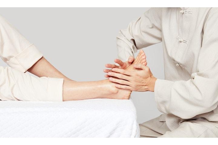 Kinesisk zonterapi hos Lins Naturlig Hälsa