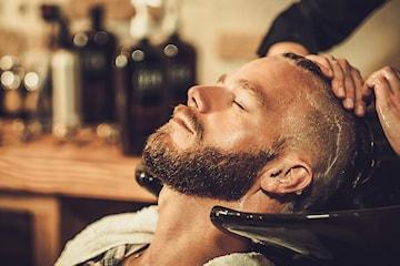 Herreklipp med tradisjonell barbering/forming av skjegg