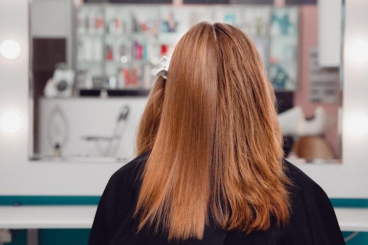 Keratinbehandling eller hårförlängning hos Krispy Beauty Salon