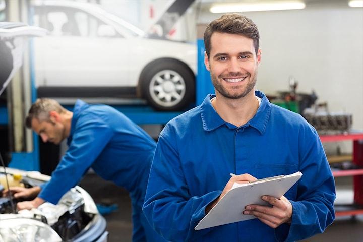 Liten service på bilen hos årets bilverksted 2019