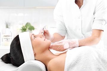 Dermapen, mesoterapi og LED-lysterapi hos Natural Beauty Clinic