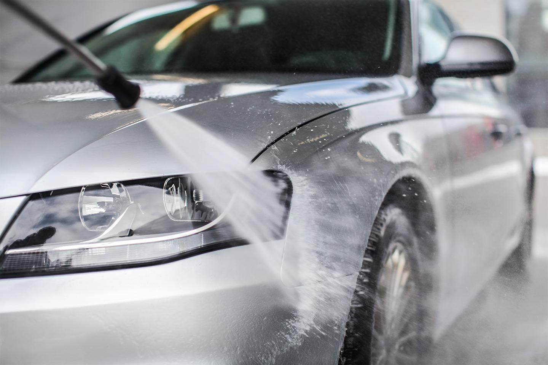 Eksklusiv bilvaskpakke med inkludert lett polering (1 av 1)