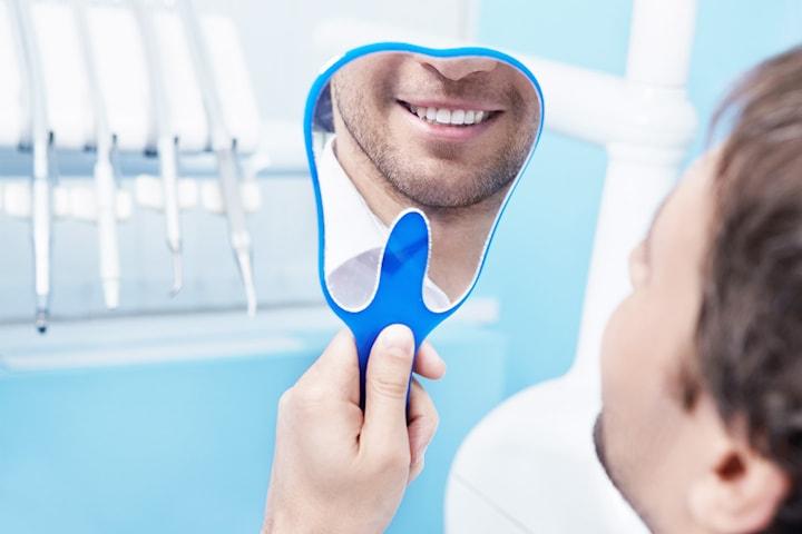 Konsultation och utredning för tandimplantat