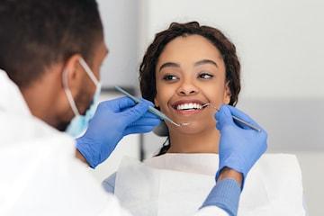 Komplett tandundersökning hos leg. tandläkare