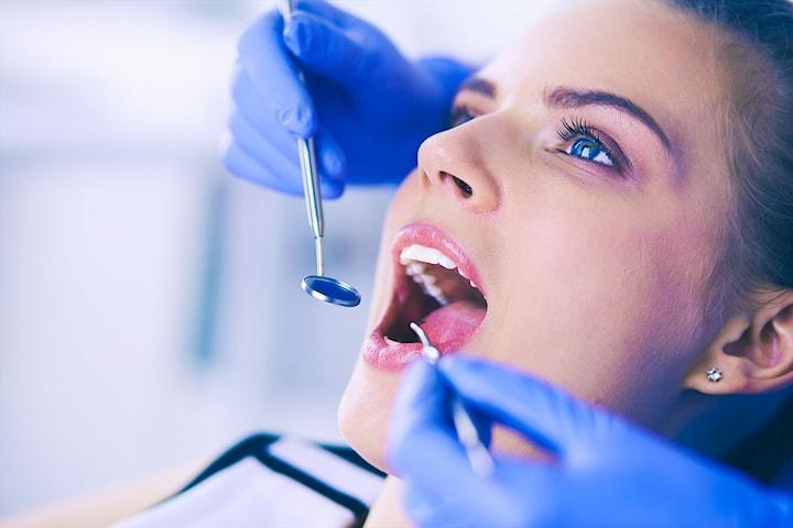 Tannlegeundersøkelse inkl. Airflow, panoramarøntgen og gavekort på tannbleking (verdi à 500 kr)