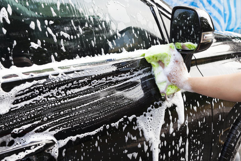 Biltvätt och eller däckskifte på Crown Cars (1 av 1)