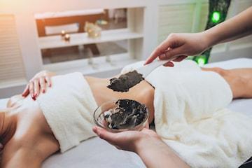 Detoxbehandling med slimmande effekt samt massage