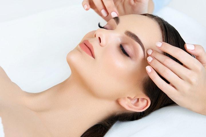 Ansiktsbehandling med MesoGold terapi hos Skin & Beauty på Torshov