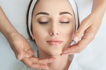 50 min ansiktsbehandling hos Perfect Touch