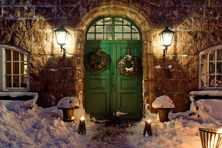 Hotellpaket med julmiddag för 2 på FågelbroHus