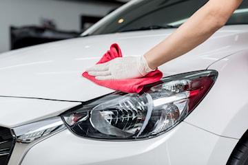 In- och utvändig biltvätt inkl. vax och schamponering