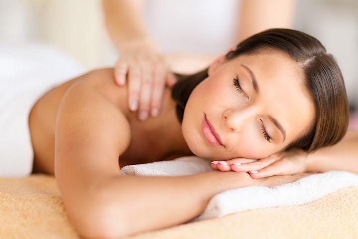 Få 45 minutter valgfri massasje hos Hair & Beauty Salon i Lørenskog