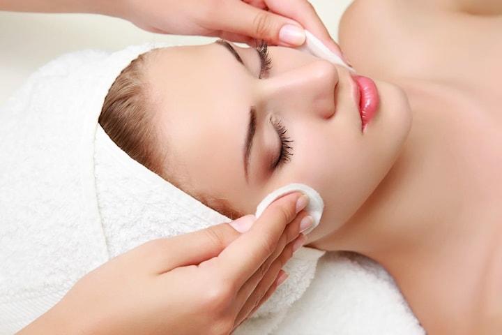 Ansiktsbehandlingar hos L.A. Beauty Empire