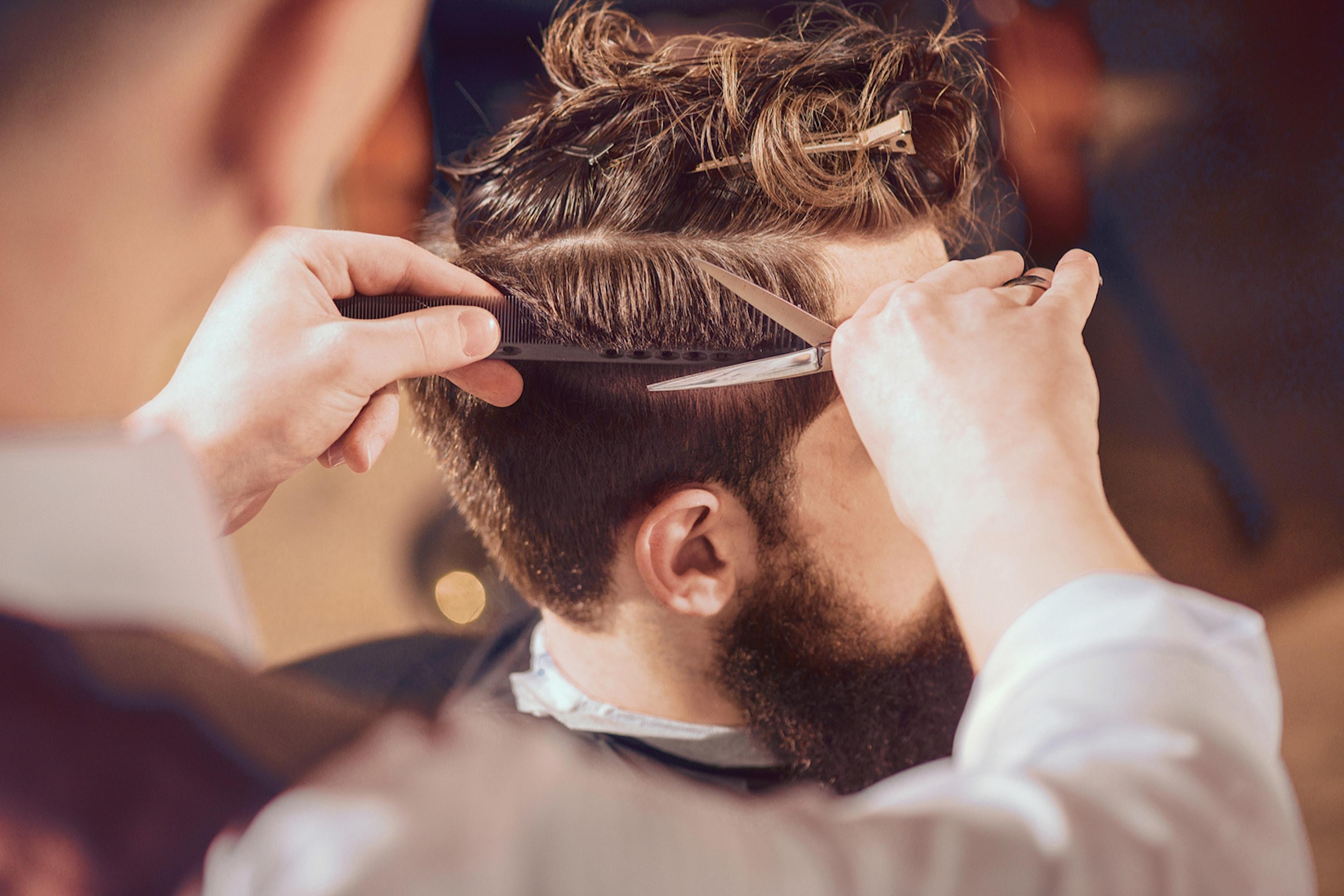 Lyxig klippning hos Sultan Barbershop