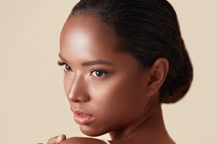 Ansiktsbehandling med eller utan kemisk peeling