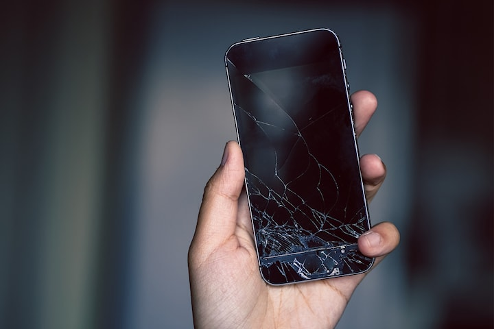 Reparasjon av knust skjerm til iPhone 5 og opp til iphone X hos Refix Norge