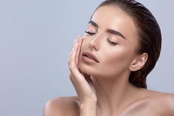 Mesoterapi/Skinbooster for glødende hud hos Korpeveien Legeklinikk