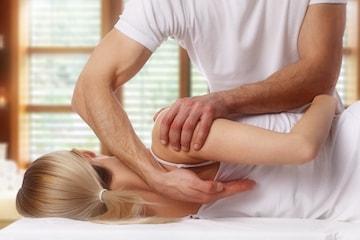 Få 45 minutter behandling hos naprapat eller osteopat ved Rygg & Rehab i Drammen
