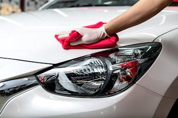Supervask av bilen hos Økonomi Bilservice