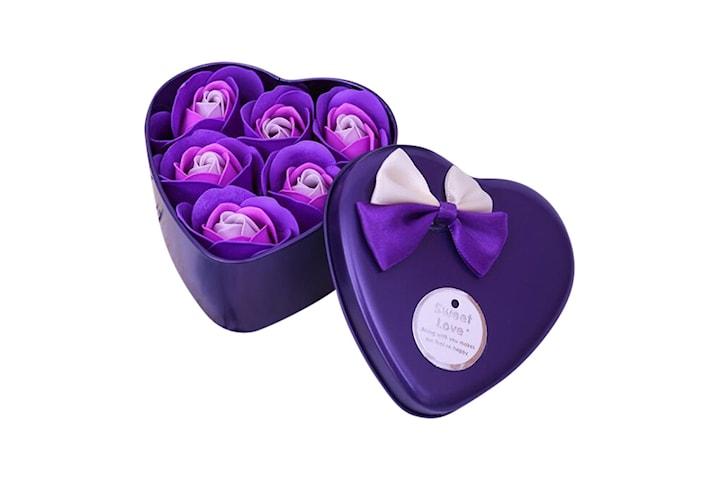 Hjärtformad ask med rosor