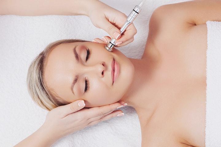 Opptil fem behandlinger med Dermapen hos Kosmetisk Lege