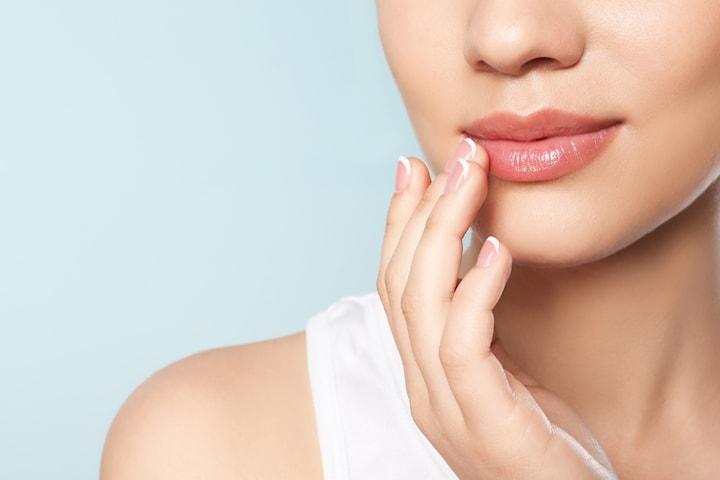 Micropigmentering för läpparna med akvarellmetoden