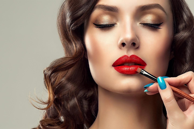 Få drømmelooken av makeup artist, inkludert styling av hår (1 av 1)