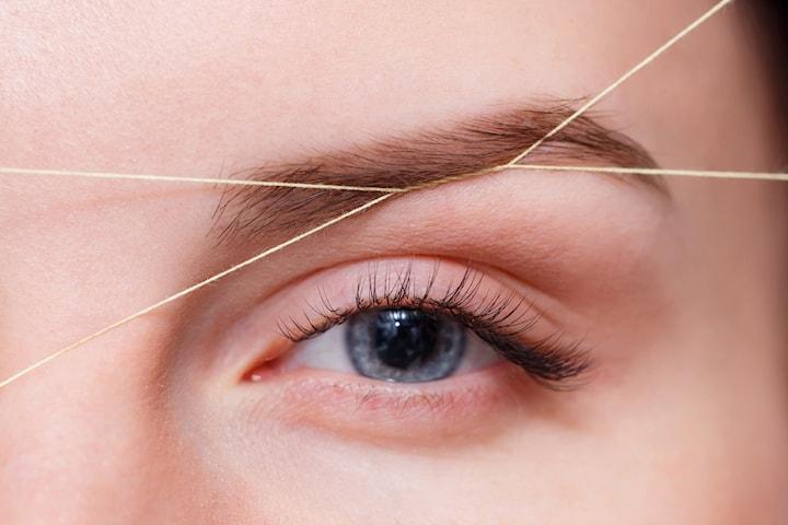 Plock av ögonbryn inkl. färgning av fransar och bryn
